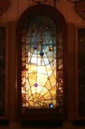 ガラスティファニーの窓